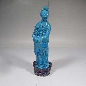 民国孔雀蓝釉仕女瓷塑