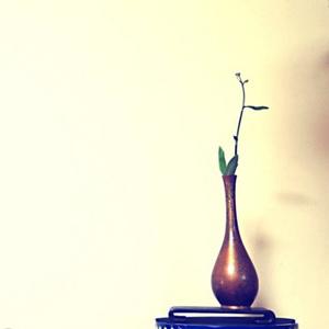 明治时期锤目铜观音瓶