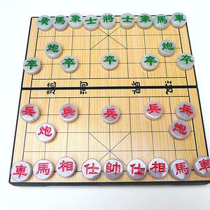 冰润带红带绿象棋