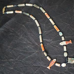 天然贝母雕刻项链