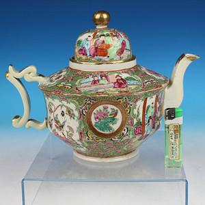 清晚期广彩开光人物花鸟大茶壶