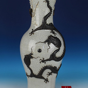 300件清晚期哥釉堆塑 祈福鸿运当头 纹大瓶