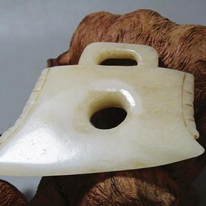 重器明和田白玉 出戟玉斧 料质极佳 包浆沁色到代