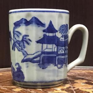 9040 清末青花山水马克杯