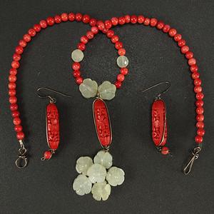 珊瑚 玉石镶嵌剔红漆雕海棠牡丹 二件套装