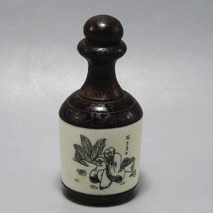 有年份黄花梨镶嵌骨雕 鼻烟壶 工艺非常好