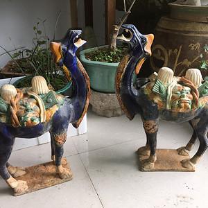 三彩骆驼两个