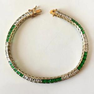 一条宝石手链