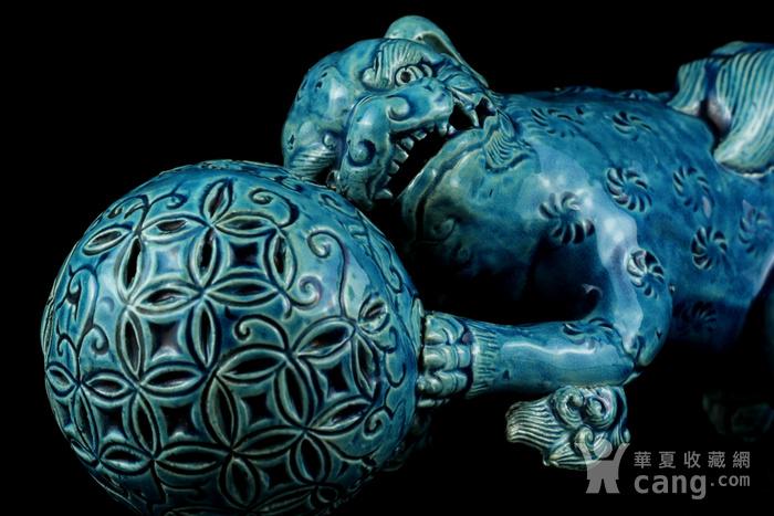 1清孔雀蓝釉狮子戏球摆件图9