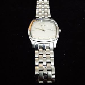 一个漂亮的美国宝路华手表