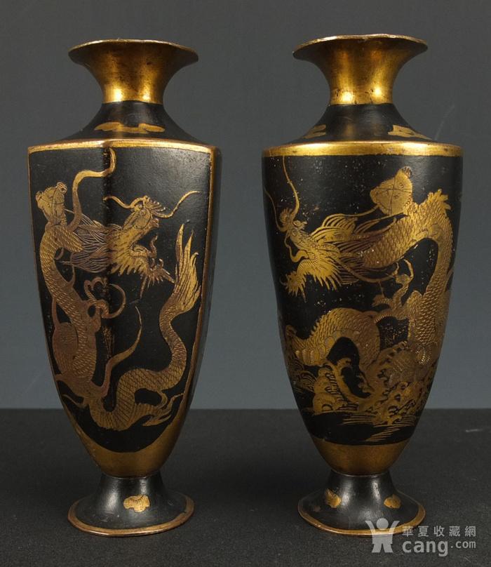 清代铜胎描金龙纹观音瓶 一对图1