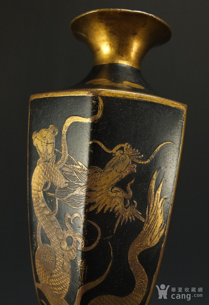 清代铜胎描金龙纹观音瓶 一对图11
