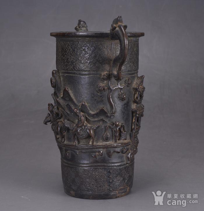 明 浮雕人物 铜香筒图2