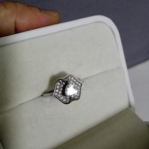 锆石镶嵌银戒指2