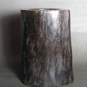 天然千年阴沉木随形笔筒