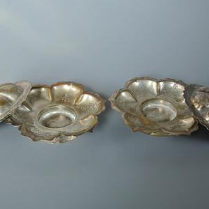 民国铜鎏银菱花口盏托