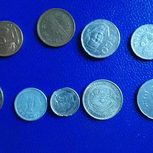 外国钱币9枚