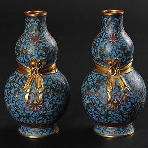 欧美回流 精美铜胎掐丝珐琅缠枝花卉纹葫芦瓶一对