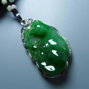 18K金镶钻石老坑阳绿满绿起荧光辣色A货翡翠如意吊坠