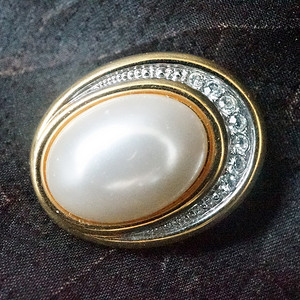 欧洲珍珠钻石优雅胸针