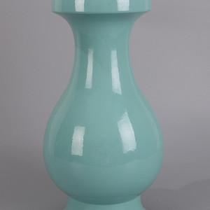 欧洲回流蓝釉盘口瓶