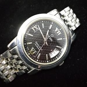 一个美国来的梅花手表