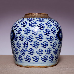 藏海淘 清青花缠枝菊纹罐 JZ497