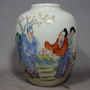 清代粉彩人物绘画罐