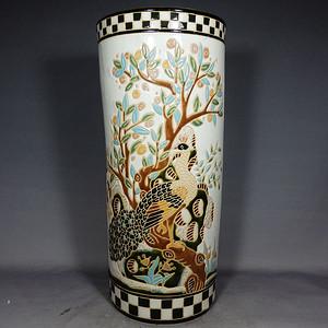 维多利亚时期孔雀雕瓷箭筒
