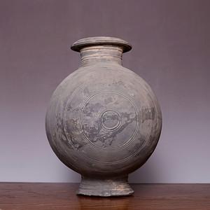 藏海淘 开门汉罐蚕茧型陶壶 JZ484