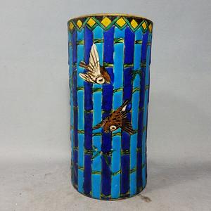 清代粉彩竹纹花鸟笔筒