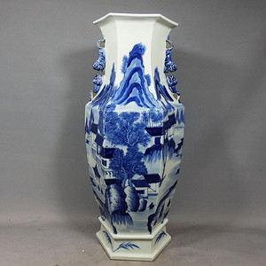 清代青花山水楼台绘画六方赏瓶