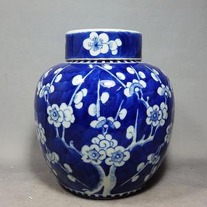 清代青花冰梅绘画盖罐