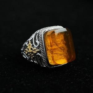 净水金珀阴雕龙腾银戒指 10KJ02
