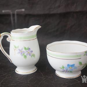 英国手绘粉彩茶杯奶缸