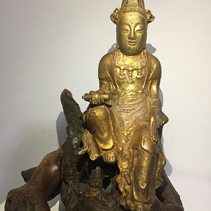 清代铜雕自在观音