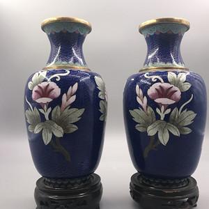 建国初,铜胎掐丝珐琅花卉纹瓶 一对