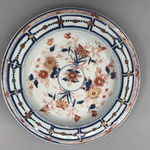 清早期帆红描金花卉纹盘