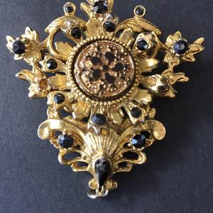 8050欧洲回流老铜鎏金珐琅胸针