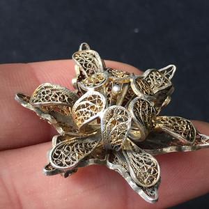 8129欧洲回流银花丝鎏金胸针