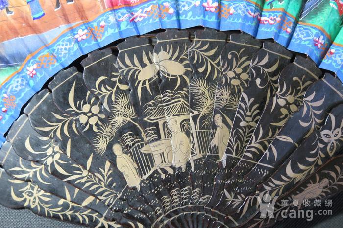 清代十三行彩绘描金人物黑漆扇图10