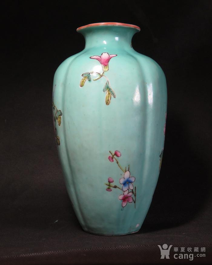民国花开富贵绿釉海棠瓶图2