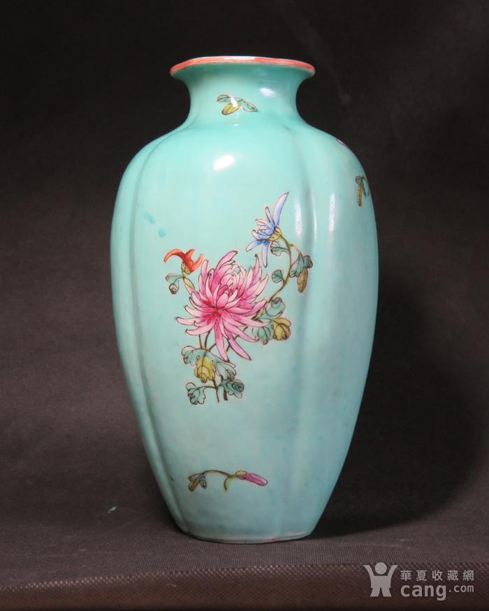 民国花开富贵绿釉海棠瓶图1