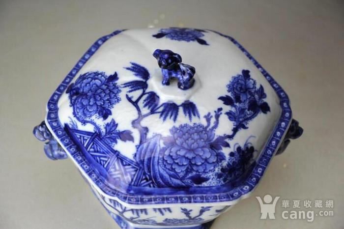 大清乾隆精品青花园林牡丹花卉纹狮钮盖盆图4