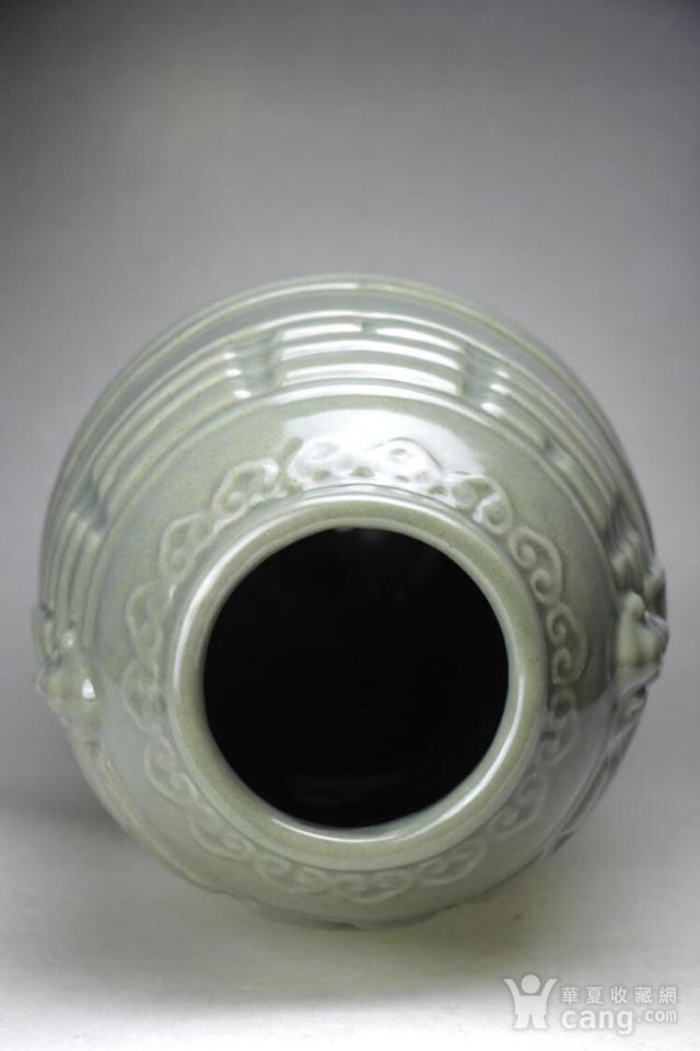 清中期仿龙泉釉堆塑如意八卦火云纹象儿橄榄尊,极品少见图6