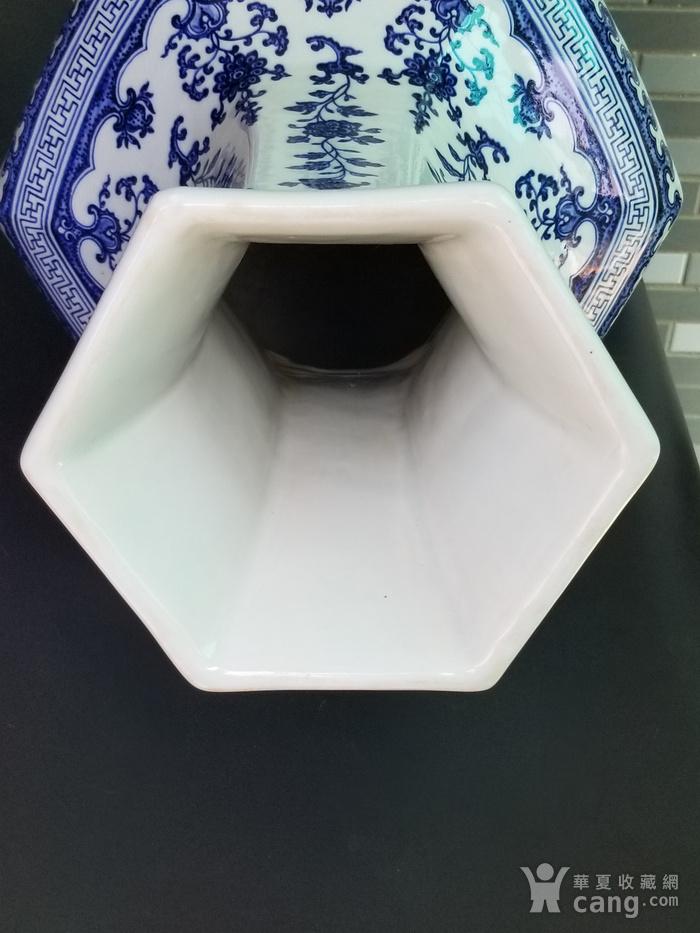 青花折枝果六方瓶图10