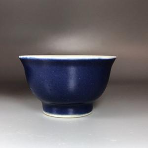 精品 清代乾隆霁蓝釉茶杯一只