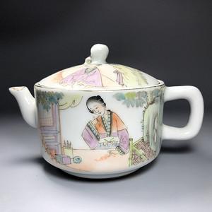 精品 民国粉彩名家作茶壶一把