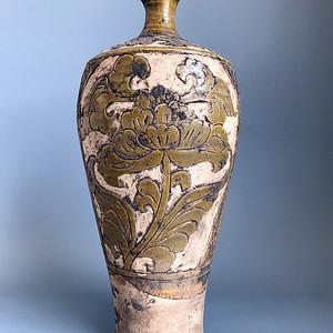 精品收藏级 耀州窑剔花牡丹瓶