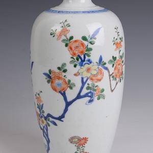 欧洲回流青花粉彩花卉瓶